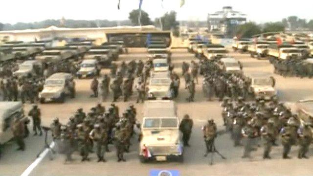 قوات الجيش المصري المكلفة بتأمين لجان الاستفتاء على الدستور