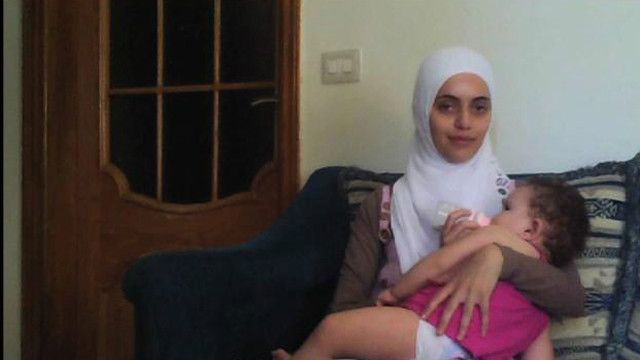 Ayat and her daughter
