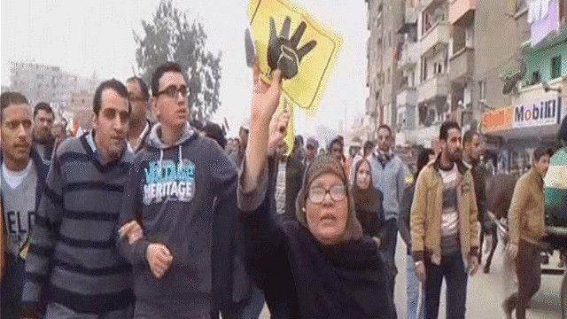 مسيرة مؤيدة للإخوان المسلمين في القاهرة