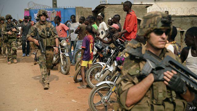 """آلاف المسلمين في أفريقيا الوسطى """"يواجهون مذبحة"""""""