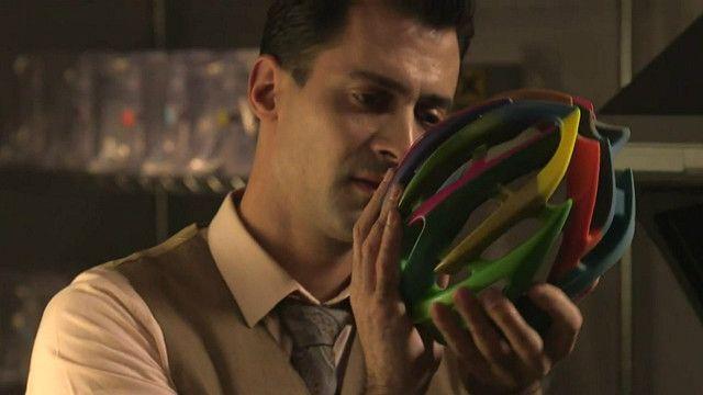 Capacete de bicicleta produzido com impressora 3D (BBC)