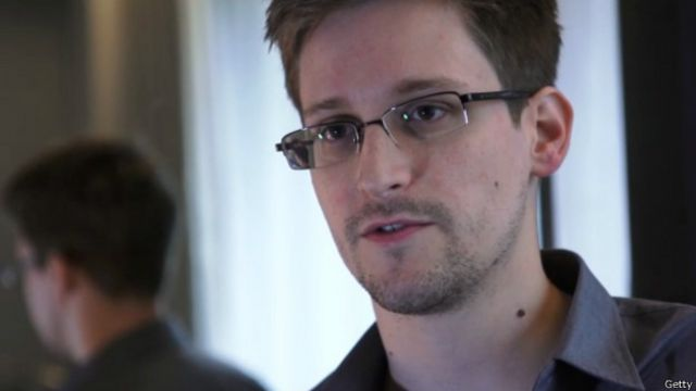 Edward Snowden pidió extender su estancia en Rusia
