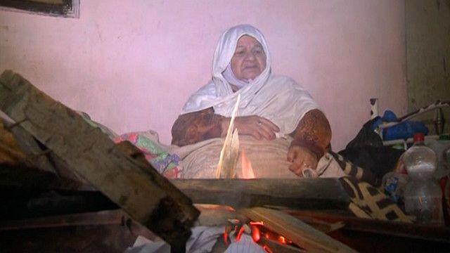 قطاع غزة يعتمد على الأخشاب لمواجهة نقص الغاز