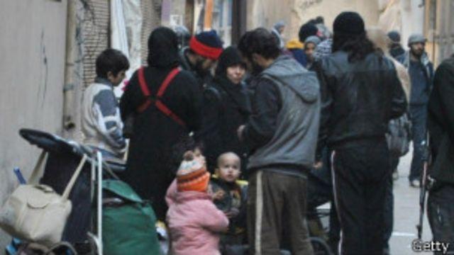 數百敘利亞人獲救離開霍姆斯