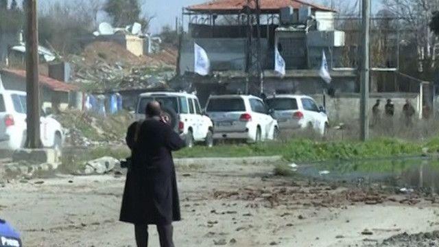سيارات تابعة للامم المتحدة في حمص
