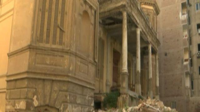 مبنى قديم من وسط مدينة الإسكندرية