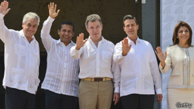 Costa Rica firma adhesión a la Alianza del Pacífico
