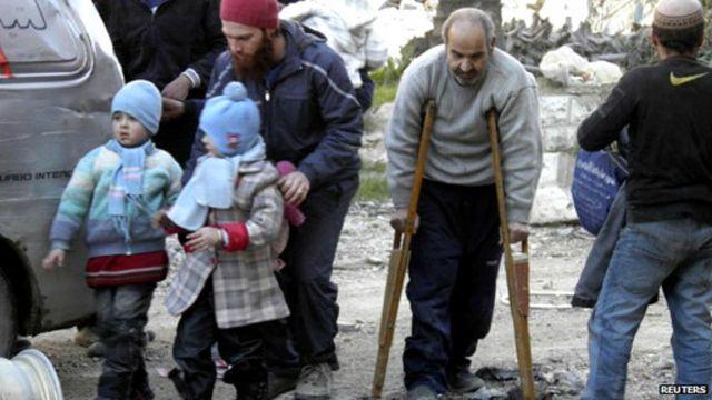 更多敘利亞人逃離被圍困的霍姆斯老城