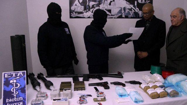 Momento de la entrega de armas de ETA a la Comisión Internacional de Verificación