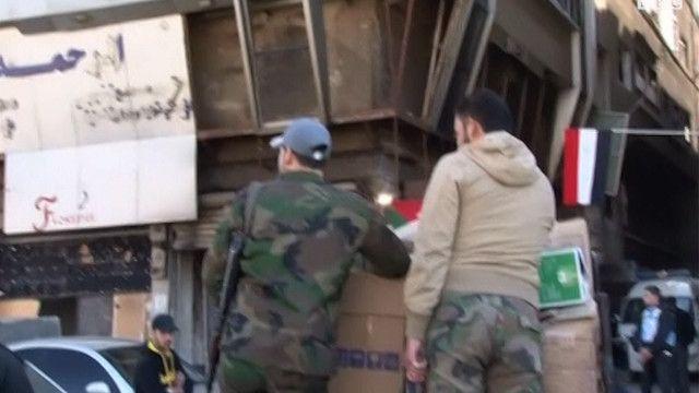 مسلحون في مخيم اليرموك
