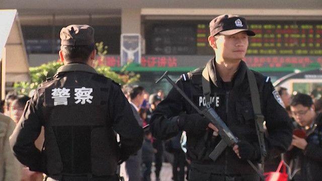 الشرطة الصينية تبحث عن المتورطين في الهجوم الدموي