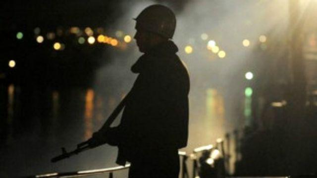 Fuerzas rusas abordan barco ucraniano en Crimea