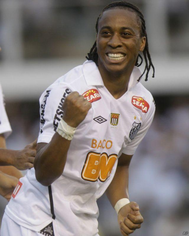 No ano da Copa, racismo é mais um 'fantasma' no futebol brasileiro