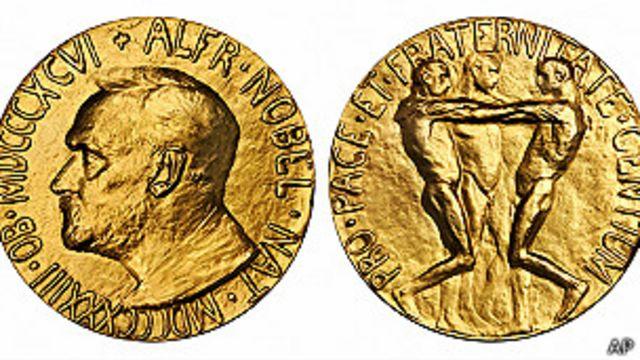 Subastan medalla de Premio Nobel argentino descubierta en casa de empeños