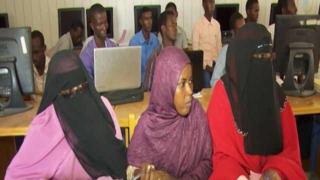 طلاب في احدى الجامعات الصومالية