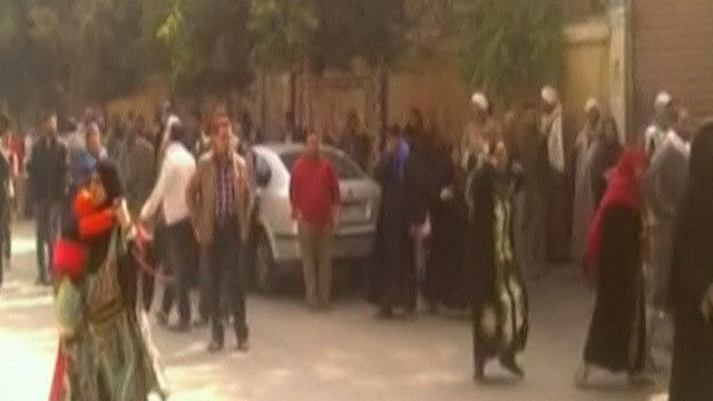 مصريون بعد اصدار الحكم في المنيا