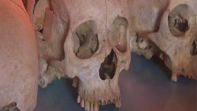 جمجمة من بقايا ضحايا المذابح في رواندا