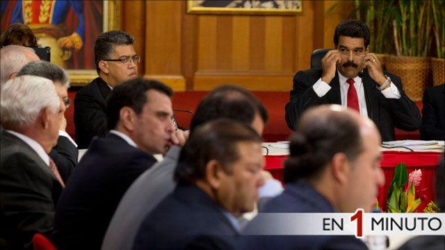 Reunión en el Palacio de Miraflores entre el gobierno y la oposición