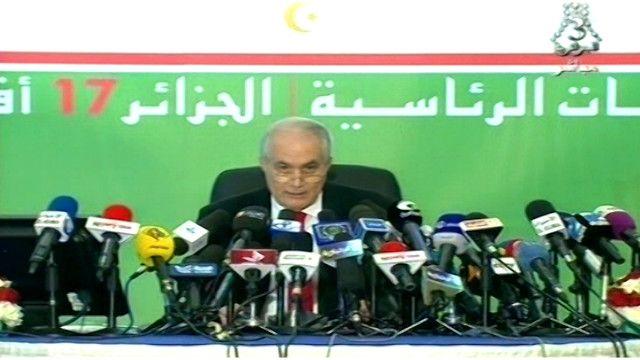 الطيب بلعيز وزير الداخلية الجزائري