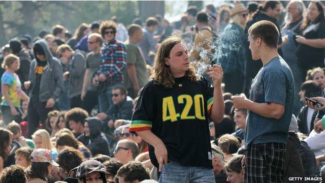 Cómo el 420 se convirtió en un símbolo de la marihuana