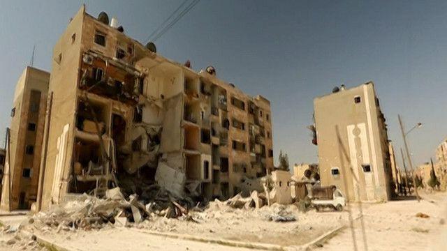 اثار الدمار على المباني في مدينة حلب