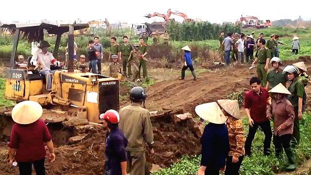 Tranh chấp đất đai ở Việt Nam