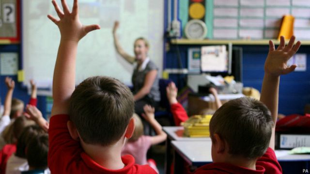 Brasil se distancia de média mundial em ranking de educação