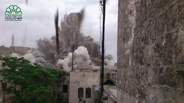 التفجير الضخم الذي أدى إلى تدمير فندق كارلتون