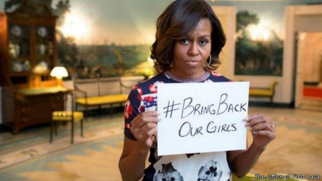 """ميشيل أوباما تعرب عن """"غضب شديد"""" لاختطاف الفتيات في نيجيريا"""