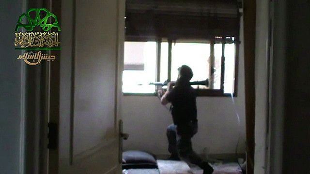 مسلح من المعارضة السورية
