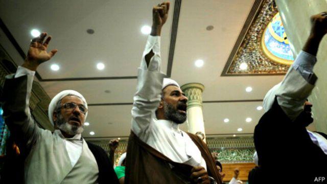"""الاضطرابات في البحرين: مقتل رجل شرطة في """"تفجير إرهابي"""" جنوب العاصمة"""