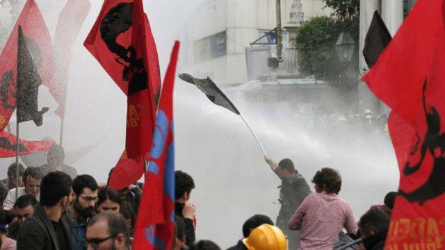 Гибель шахтеров вызвала протесты в Турции