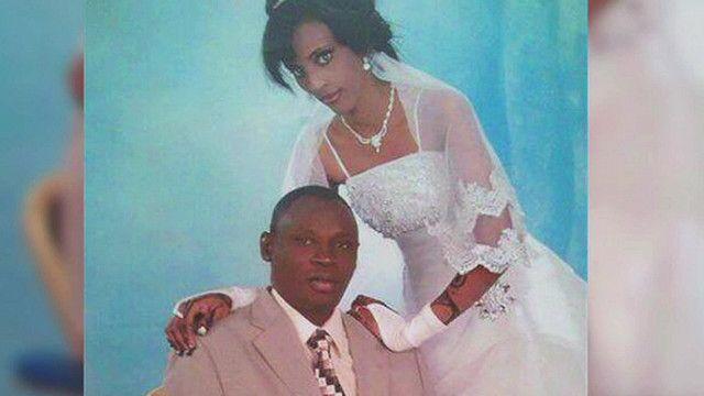 امرأة سودانية وزوجها في لباس عرس
