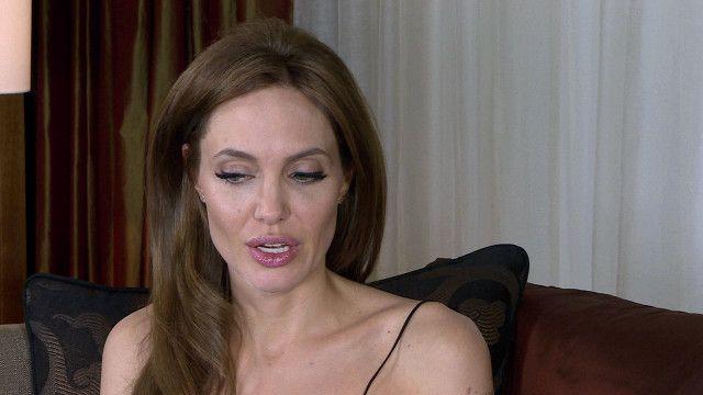 ہالي ووڈ کي معروف اداکارہ انجلينا جولي