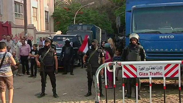 قوات من الأمن المصري تحرس العملية الانتخابية