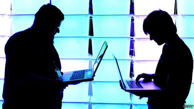 قرصان الكتروني يساعد الحكومة الأمريكية في صد هجمات