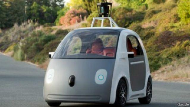 سيارة ذاتية القيادة من صنع غوغل