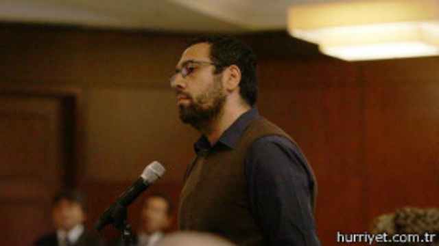 Gül'ü kızdıran sorunun sahibi Emrah Altındiş: Soruların sorulması gerek
