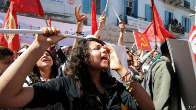 """""""وهم"""" الحياد الإعلامي والربيع العربي"""
