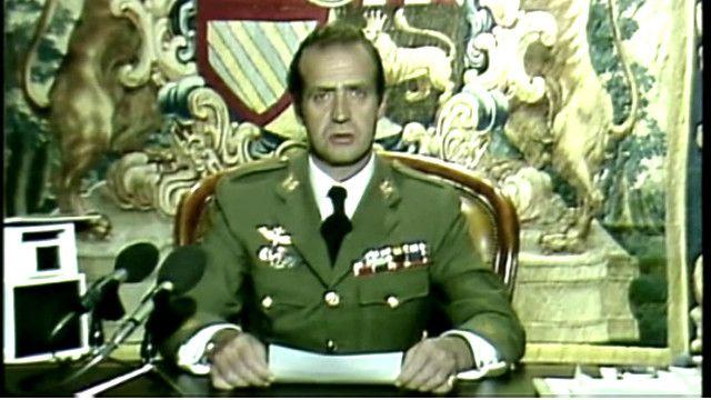 Король Испании Хуан Карлос во время попытки военного переворота в 1981 г.