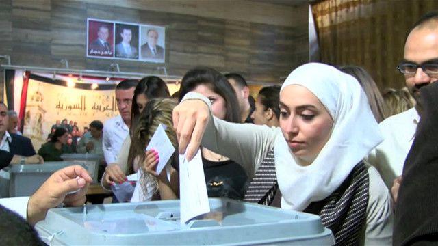 السوريون يدلون بأصواتهم لاختيار رئيسا جديدا للبلاد