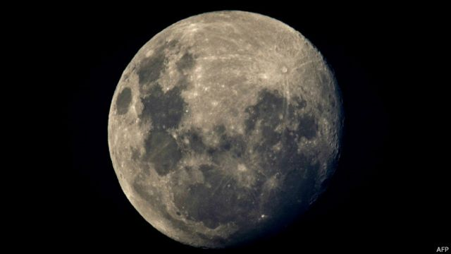 Cientistas acham resquícios de planeta que colidiu com a Terra e formou a Lua