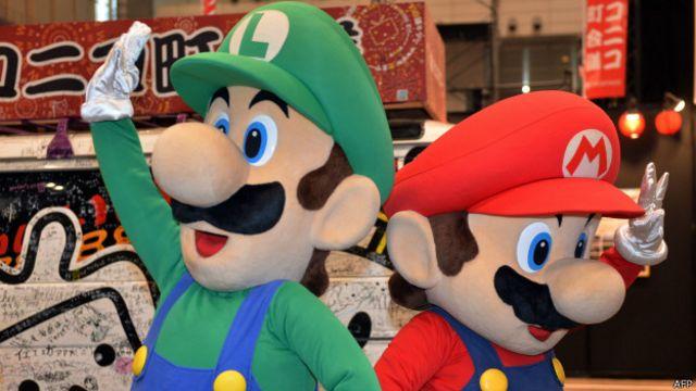 Suyu kesilenlerin yardımına 'Süper Mario'lar koşuyor