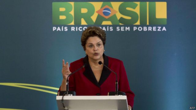'Educação e saúde tiveram 212 vezes mais recursos que estádios', diz Dilma