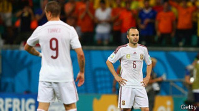 ЧМ-2014: Голландия разгромила чемпионов мира испанцев