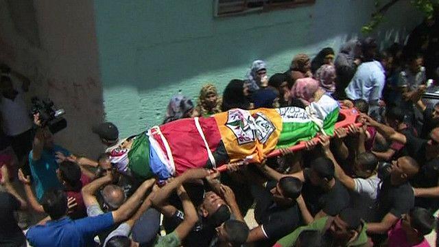 جنازة فلسطيني قتل على ايدي الجنود الاسرائيليين