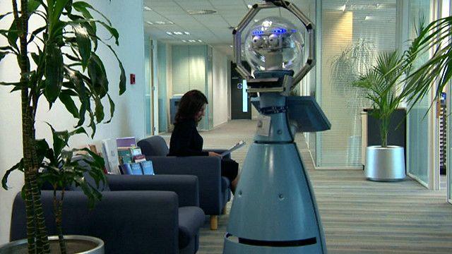 روبوت يدخل الخدمة كحارس أمني في شركة بريطانية