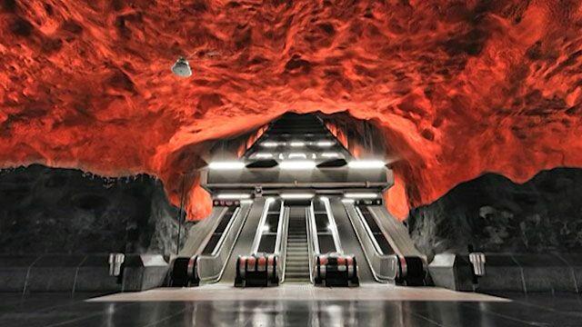 Fotos de Alexander Dragunov mostram ângulos diferentes do metrô de Estocolmo (BBC)