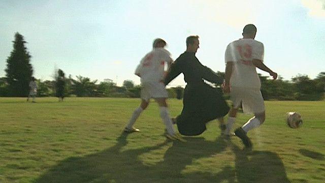 Монахи-футболисты