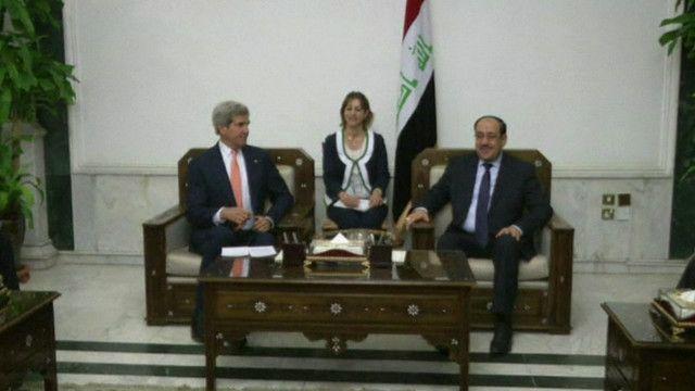 المالكي يستقبل كيري في بغداد